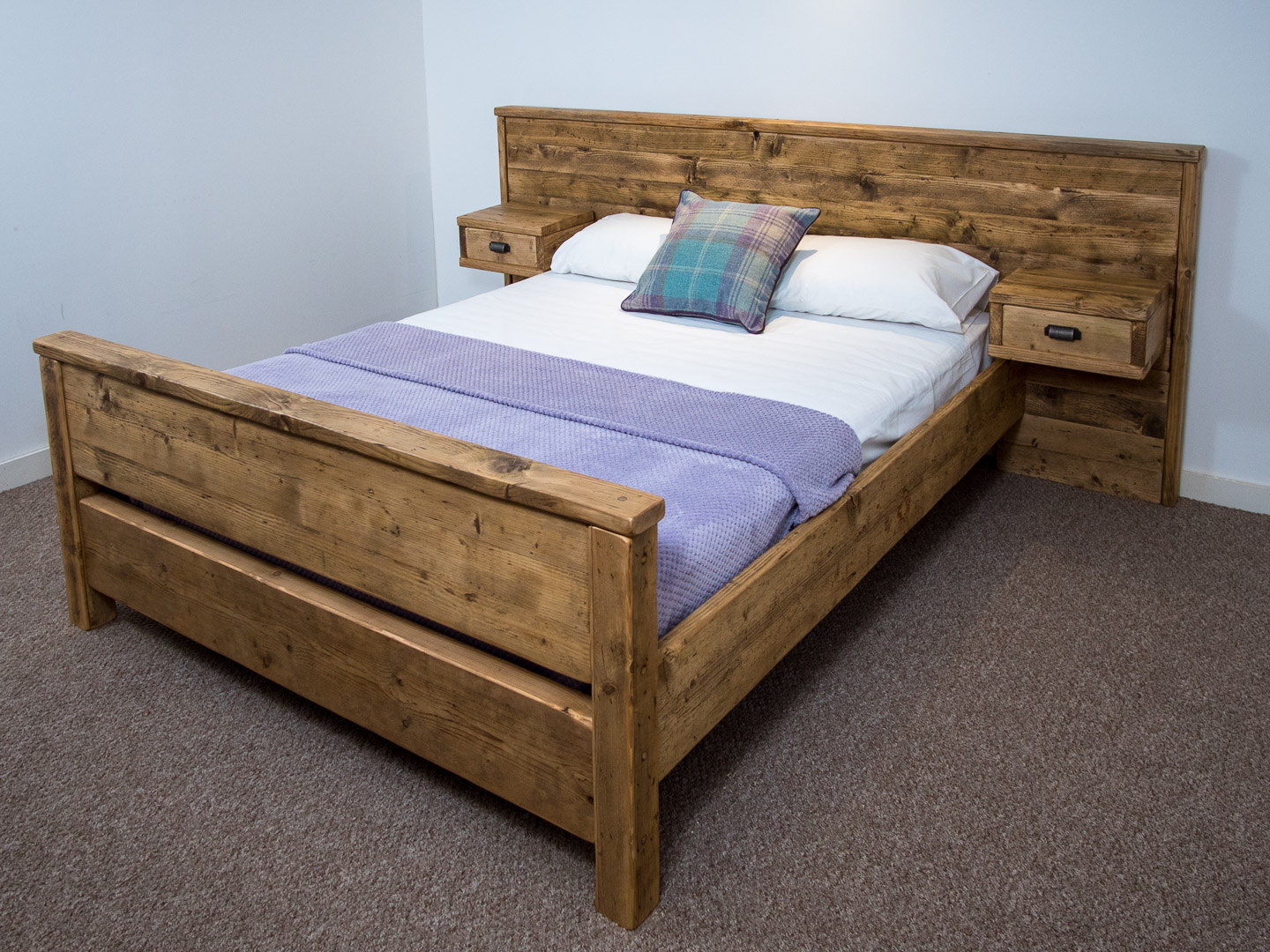 Bodmin High End Bed Frame Chunky Solid Rustic Pine Wood With Headboard All Sizes Available Free Uk Delivery